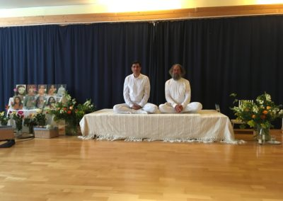 Mai 2017 Besuch aus Mumbai: Yogacharya Histas Damania mit Rajarshi Peter van Breukelen
